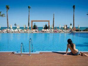 luxe hotel riu nautilus in carihuela