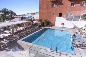 hotel fenix torremolinos centrum